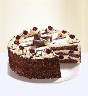 2 Kg EGGLESS Black Forest Cake